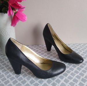 Seychelles heels size 8.5 black